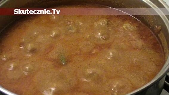 Treściwa zupa pomidorowa z klopsikami i fasolką