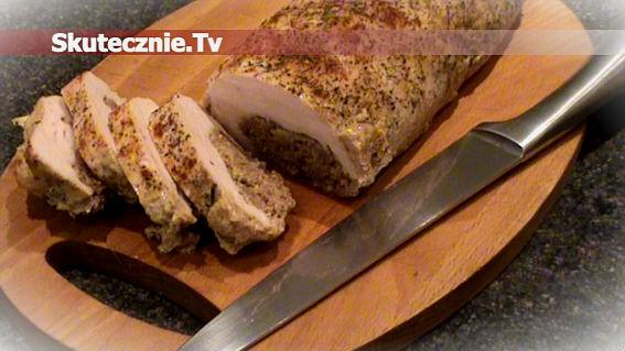 Pieczony indyk faszerowany wołowiną z cebulką