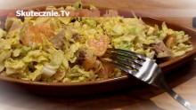 Prosta sałatka z kurczaka w sosie cynamonowym –orzeźwiająca i sycąca