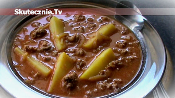 Pomidorowa zupa mięsna z ziemniakami