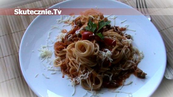 Spaghetti w sosie mięsno-pomidorowym (po bolońsku)