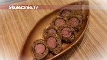 Kiełbasa pieczona w mięsie