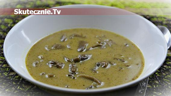 Zupa grzybowa /z suszonych grzybów/