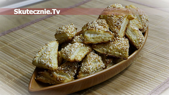 Warstwowe ciasteczka sezamowe z miodem