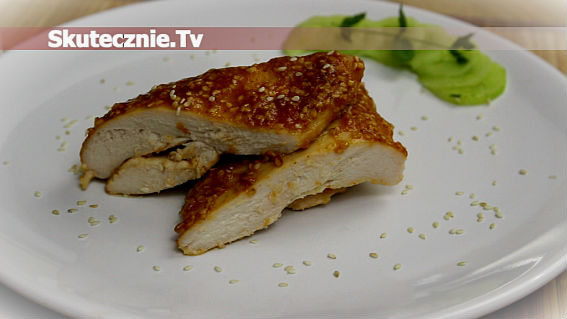 Kurczak w ostro-słodkiej musztardzie z sezamem