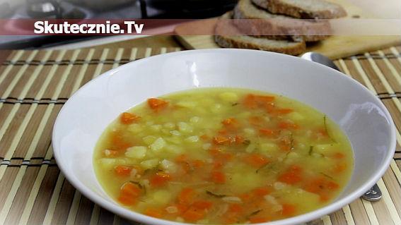 Pyszna domowa zupa ogórkowa