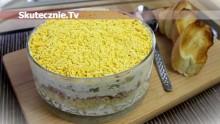 Warstwowa sałatka z tuńczykiem i jajkiem (obłędnie pyszna)