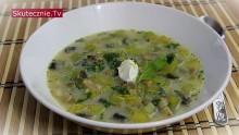 Lekko ostra zupa z cukinią, pieczarkami i rukolą