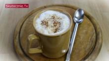Rozgrzewając kawa z imbirem i cynamonem