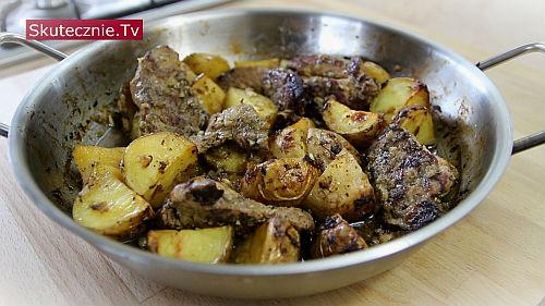 Pieczona karkówka w ziołach z ziemniakami