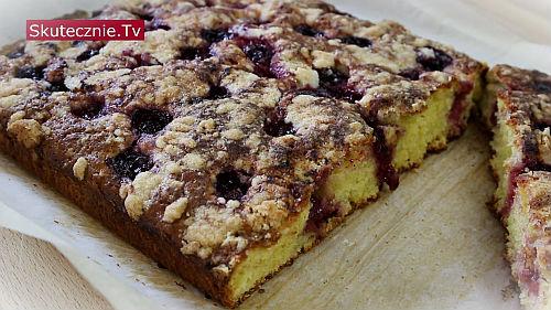 Ciasto z owocami i kruszonką -proste, pulchne, bez miksera