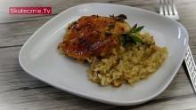 Kurczak z brązowym ryżem, porem, imbirem i chilli