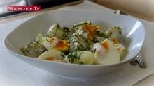 Młode ziemniaki z jajkiem i koperkiem