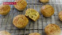 Serowe muffiny z ostrym hummusem