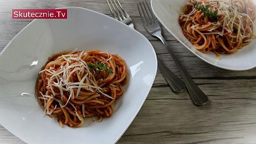 Leniwe spaghetti w pomidorach