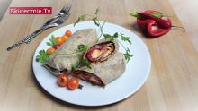 Burrito z grillowaną papryka, mozzarellą i szpinakiem