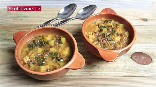 Zupa ziemniaczana z soczewicą, kaszą i kurkumą