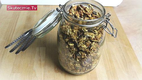 Domowa granola -na śniadanie i do chrupania