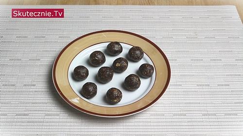 Kulki orzechowo-czekoladowe z cynamonem