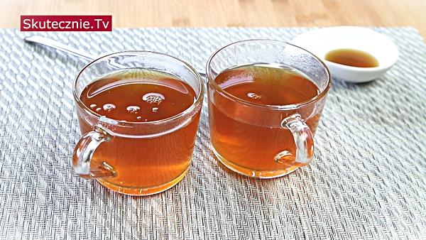 Zielona herbata z oregano i kurkumą