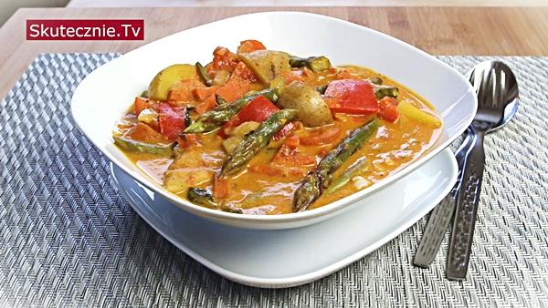 Wiosenne curry ze szparagami (warzywne lub mięsem)