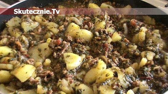 Ziemniaki w pikantnym sosie mięsno-szpinakowym