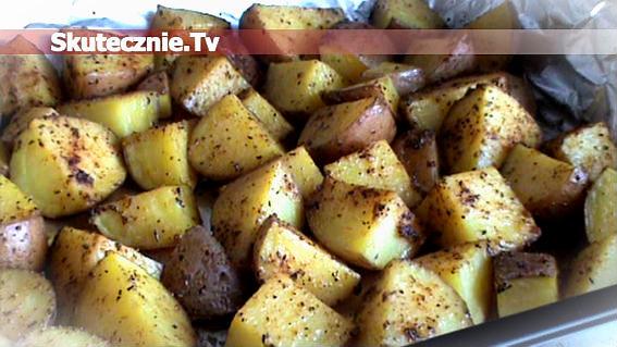 Czerwone ziemniaki pieczone w oliwie z ziołami