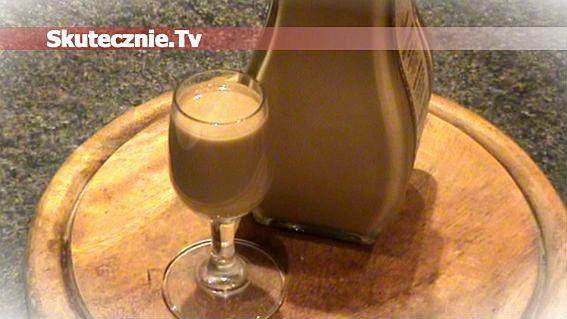 Domowy likier cappuccino o smaku orzechowym