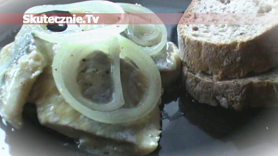 Śledzie w oleju z musztardą i w cebulce –pyszne