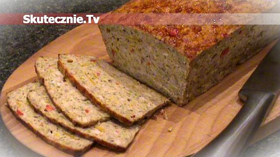 Domowa wędlina: pieczeń z indyka z warzywami