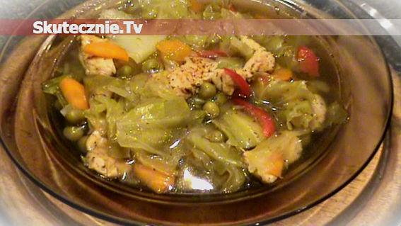 Lekka zupa –indyk, kapusta, papryka, groszek