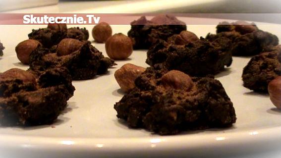 Miękkie czekoladki pomarańczowo-jogurtowe z orzechem