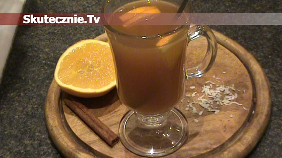 Rozgrzewająca herbata o smaku pomarańczy, kokosu i miodu z cynamonem