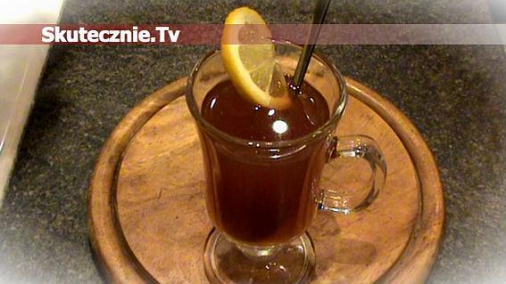 Rozgrzewająca herbata z rodzynkami, cynamonem, miodem i szczyptą chilli