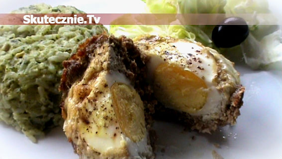 Jajka zapiekane w gniazdkach z mięsa mielonego
