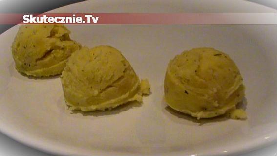 Jogurtowe ziemniaczki z masłem i koperkiem