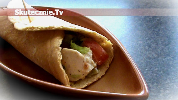 Otrębowe tortille z kurczakiem i warzywami