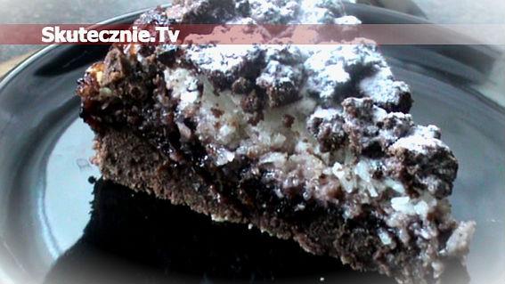 Placek czekoladowo-porzeczkowy z bezą kokosową