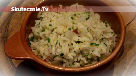 Pikantny ryż z cytryną, peperoni i rukolą