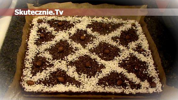 Mazurek kokosowy z czekoladą i orzechami