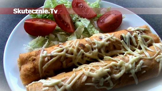 Pomidorowo-ziołowe naleśniki zapiekane z karkówką