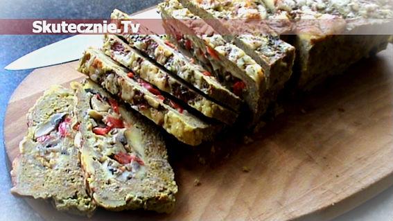 Pieczeń z farszem pieczarkowo-paprykowym z żółtym serem
