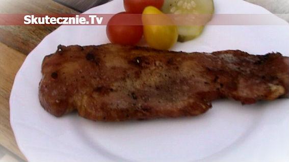 Chrupiący i pikantny boczek z grilla