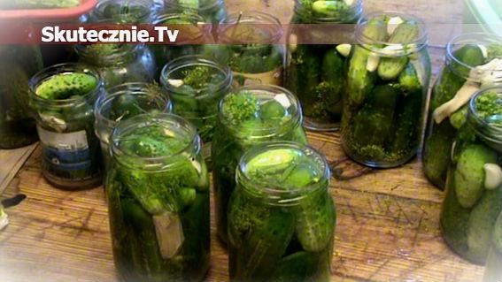 Jak zrobić pyszne kiszone ogórki w słoikach