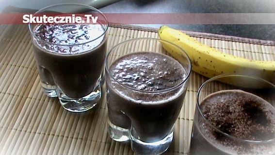 Zimny koktajl czekoladowo-bananowy