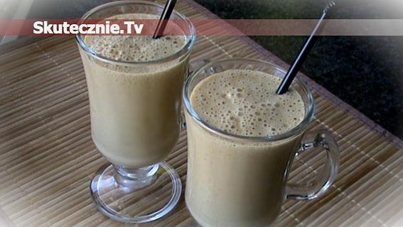 Spieniona kawa jogurtowa z miodem (i whisky)