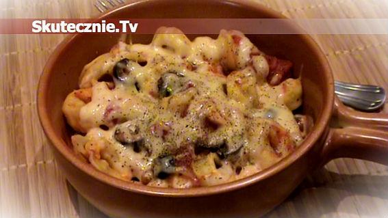 Tortellini w pomidorach i czarnych oliwkach