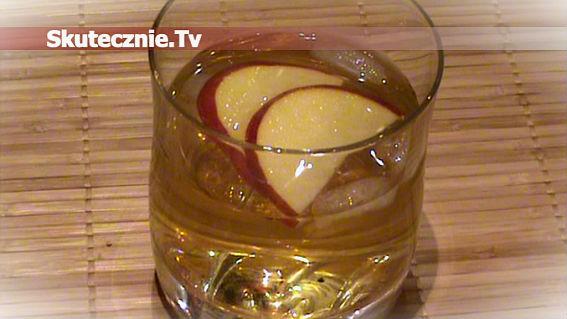 Delikatny drink miętowo-jabłkowy