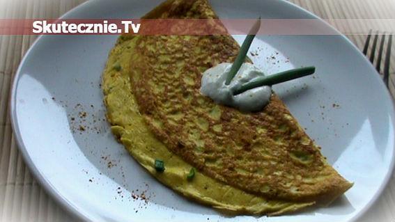 Jogurtowy omlet z curry i szczypiorkiem