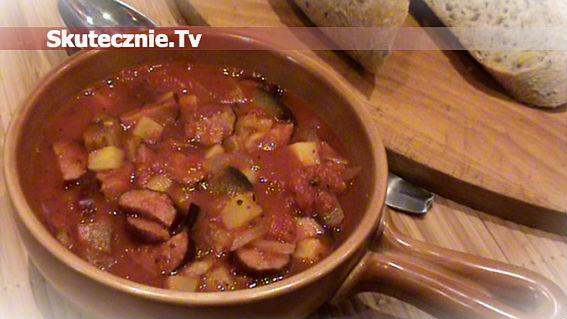Kiełbasa myśliwska w pomidorach